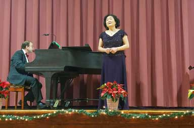 Donna Liao sings Chinese folk songs with bel canto technique.