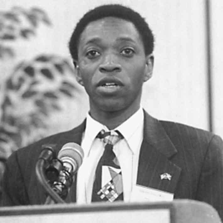 """Ehemaliger Botschafter von Burundi in den USA:  """"Nehmt euer Knie von LaRouches Hals"""